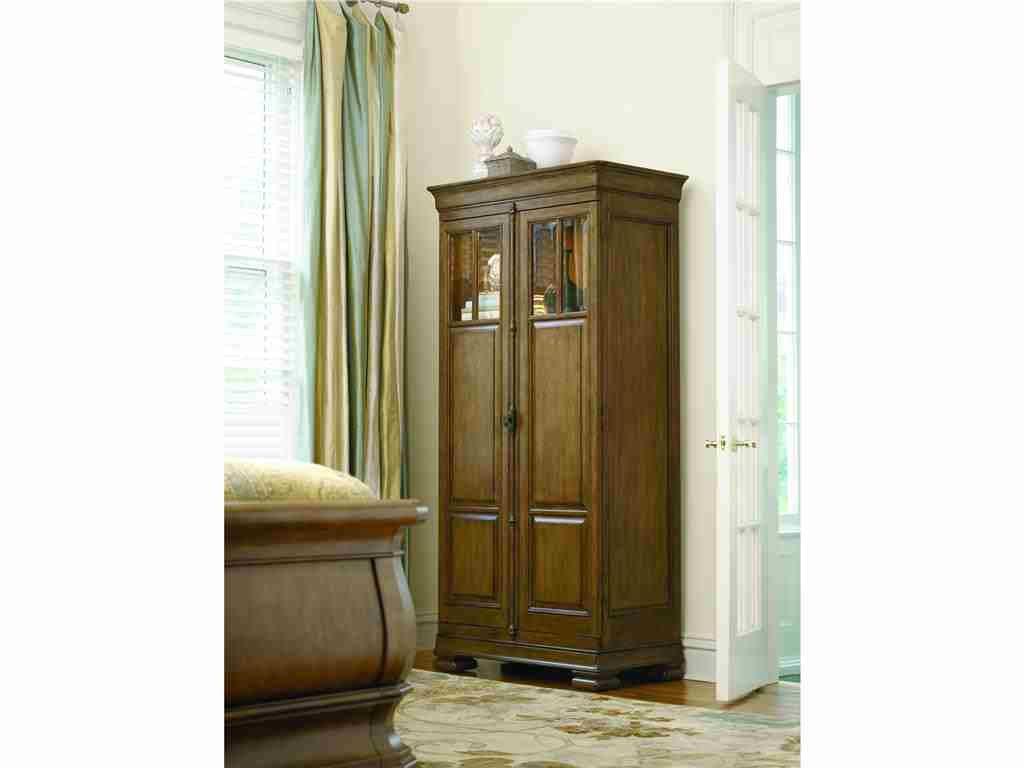Universal Furniture Bedroom Tall Cabinet 071160