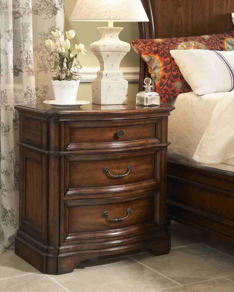Thomasville Bedroom Manyara Media Hutch 46211-365